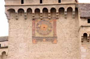 Шильонский замок часы
