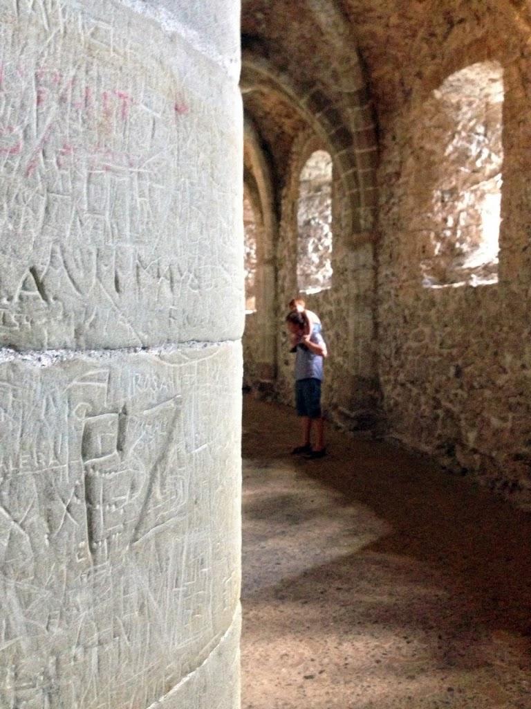 Шильонский замок внутри
